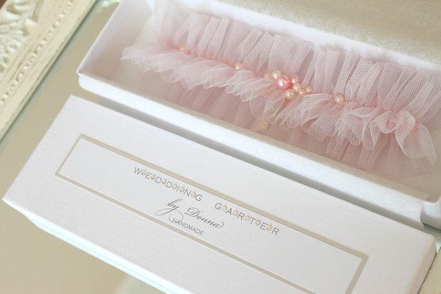 hochzeit strumpfband strumpfbänder braut hochzeitsstrumpfband tüll tulle rosa blassrosa erröten rosa hellrosa auf maß großes für braut blass rosa dawanda