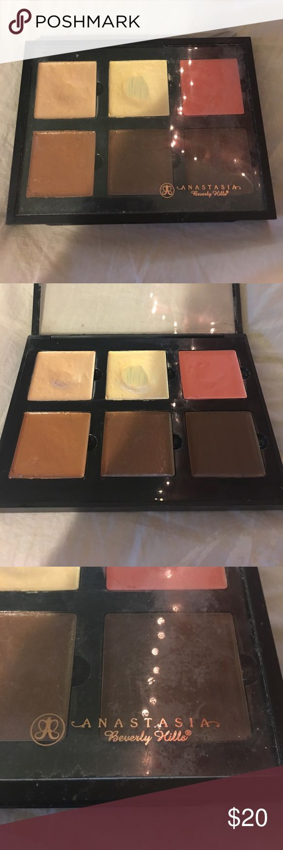 "Anastasia Beverly Hills cream contour kit! Slightly used but in very good condition! Shade ""medium"" Anastasia Beverly Hills Makeup Concealer"