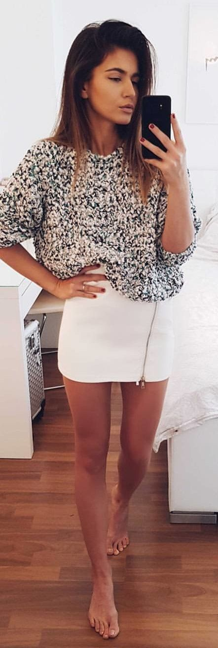 #winter #outfits gray blouse and white mini skirt. Pic by @lvonaa.