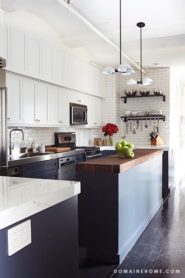 BEFORE AND AFTER: A HIGH-CONTRAST KITCHEN A duo of designers give a Cooper Square, NY kitchen a major facelift with luxurious and high-tech finishes.