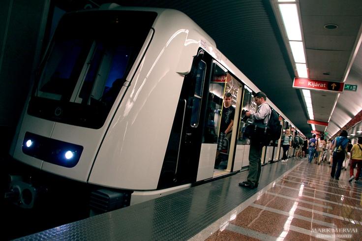 metro(Mark Mervai)
