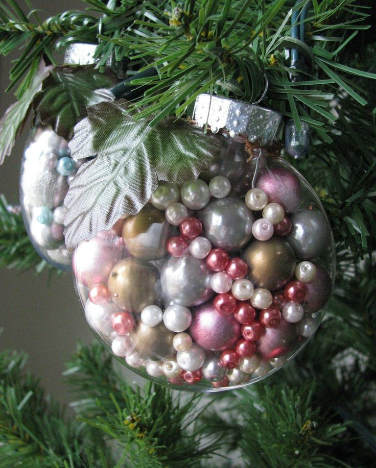 75 Ways to Fill Clear Glass Ornaments {Homemade Christmas Ornaments} - Refunk My JunkRefunk My Junk: