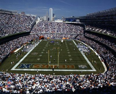 Soldier Field.  Home of the Chicago Bears.  My last Bear's game?  October 17, 2005.  Mwaaah.