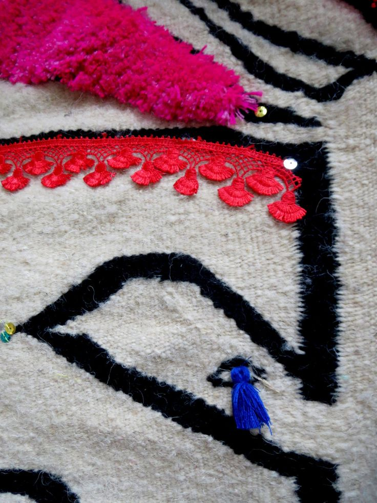 Hand woven berber rug- one of a kind- pure wool- flower design by BeatricePoggioArt on Etsy