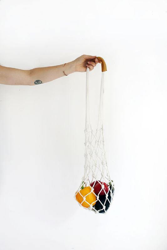 Having a pretty bag to fill with goodies is half the fun of going to the market, right? (The other half is filling up on delicious donuts while you shop for healthy produce.) This rope bag takes ...