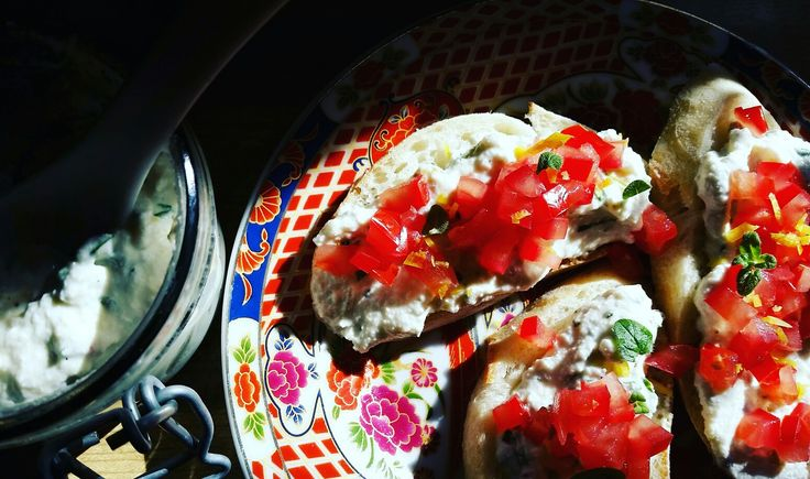 Ricotta tartines #homemadefood