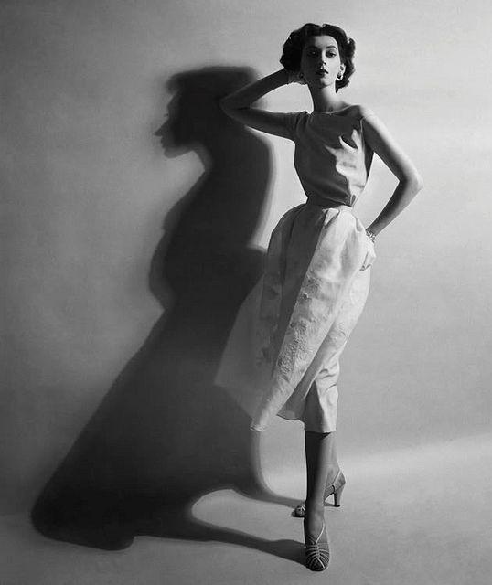 Cecil BEATON :: Dovima, 1952   #shadow