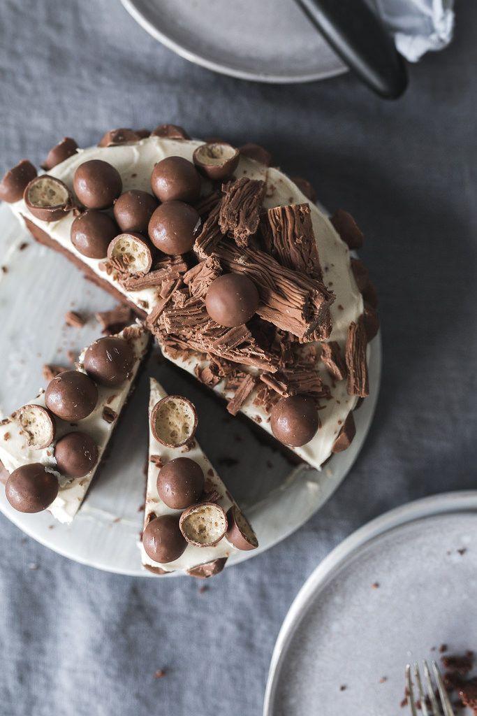 Mini Chocolate Cake with Vanilla Meringue Frosting | Jet & Indigo
