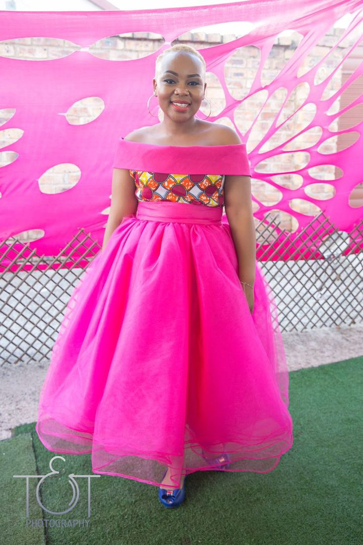 African wedding/ African bride/ bride with short hair/ traditional attire