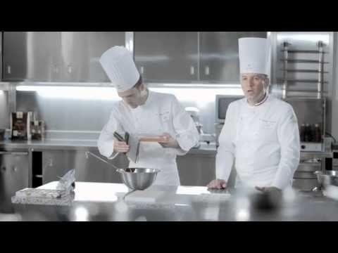 (4) Decorazioni di cioccolato di Philippe Bertrand e Martin DIEZ (Cacao Barry) - YouTube
