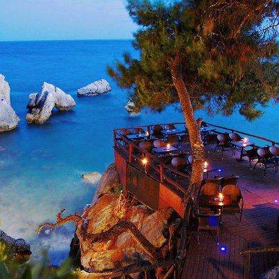 Really want to travel to Greece. This place looks amazing! Loutra ,Chalkidiki,Greece
