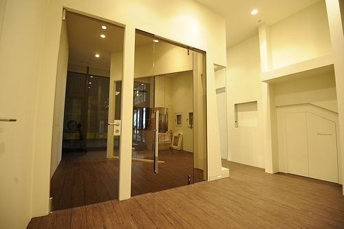 Porte in vetro raso muro