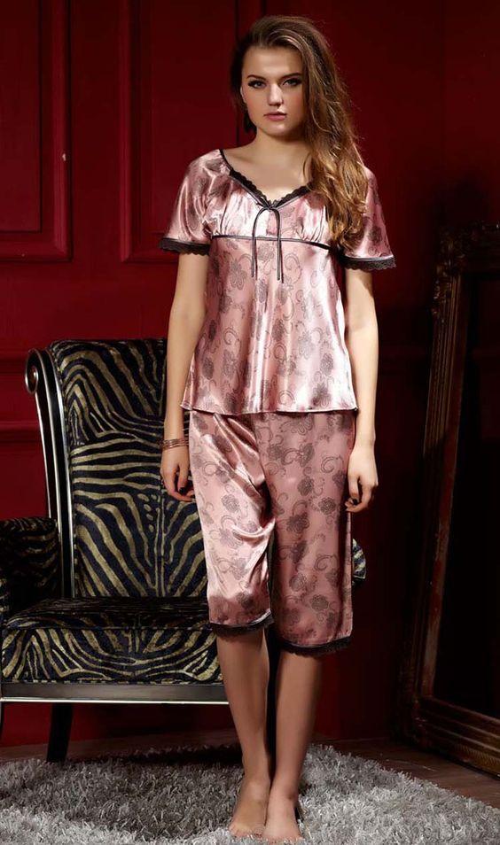 e7a7d63a1413 Женские шелковые пижамы: 100+ роскошных моделей на фото | Пижама в ...
