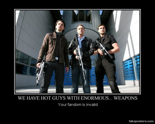 YES. Primeval and it's extremely attractive dinosaur hunters.