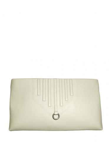 An extremely elegant leather clutch bag with shoulder belt. The bag is cream-colored. From the inside it is decorated with quilted lining in silver. The whole suspended on a long leather belt. Each original handbag GOSHICO id is in the middle of the tab with our logo. PRICE: 720 zł http://goshico.com/en/duplicate-1-1134.html
