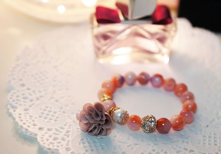 [betulikeit] Korea Handmade strech bracelet Rosypink stone and flower charm #Handmade #Stretch