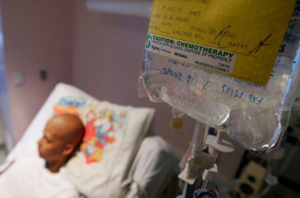 In einem Wirtschaftssystem, das ohne exponentielles Wachstum zusammenbrechen würde, kann sich die Pharmaindustrie kein Heilmittel gegen Krebs erlauben. Jeder geheilte Patient ist ein verlorener Kun…