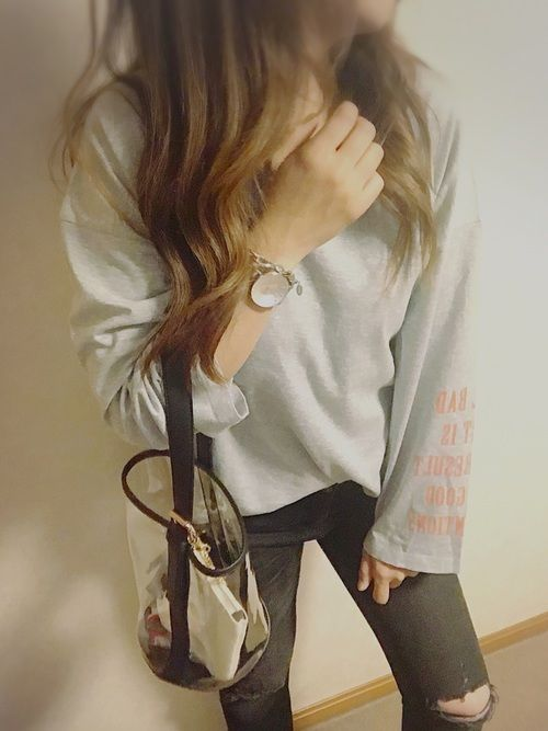 袖広に袖ロゴが可愛い Tシャツで今日もカジュアル♡ 見ていただき ありがとうございました(о´∀`о