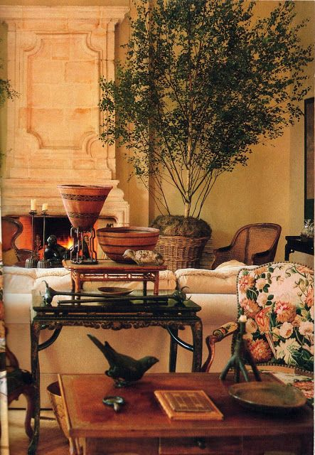Rose Tarlow's London Flat (Belgrave Square) from Architectural Digest 46 (March 1989), posted at Kitchens I Have Loved (June 2012).