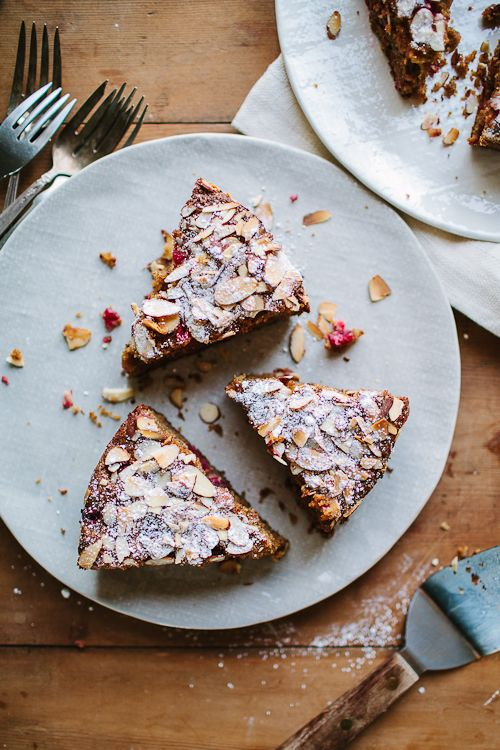 SPICED WINTER CAKE WITH CRANBERRIES » The Year In Food