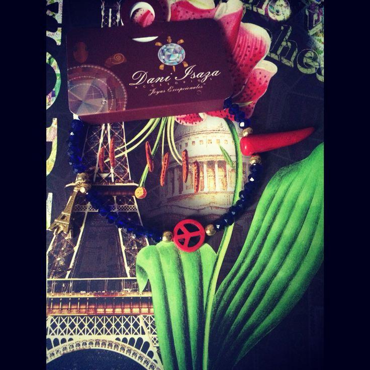 """New colletion Otoño Invierno 2015-2016 """"inspiración de mujer"""" #tobillera en cristales, dijes y separadores en baño de oro de 24 k, peace and love. Ref: TO-PECATO 12.000 mil pesos. domicilios en Cali. envíos Nacionales. ☎️️whatsapp +57 3105484392.  #bisuteria #bella #Cali #collar #colores #compras #Colombia #Cartagena #colección #cristales #blanco #dorado #elefante #Europa #emprendedor #elegante #accesorios #artesanías #CaliCo #lindas #regalo #detalle #mujer #Murano #Medellin #fashion #us"""