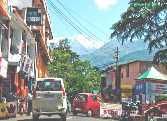 Palampur enjoys a pleasant climate allthe year-round. We are sure that once you visit this destination you will love to take a tour by walking down the lanes of thehill townofPalampur.