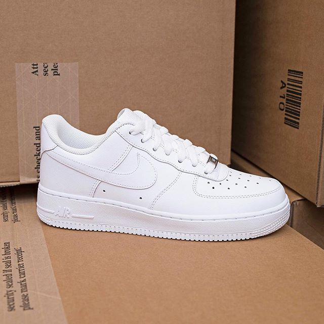 Nike Air Force 1, always number one! | White nike shoes