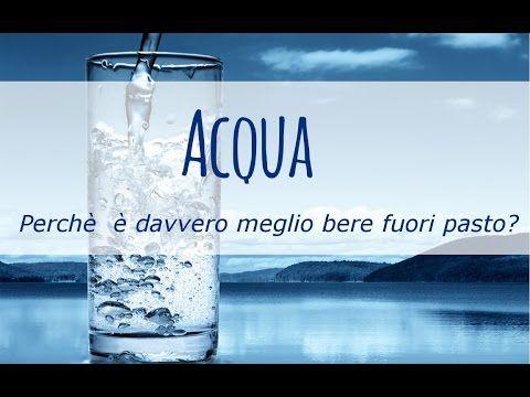Acqua: è davvero meglio bere fuori pasto, perché?