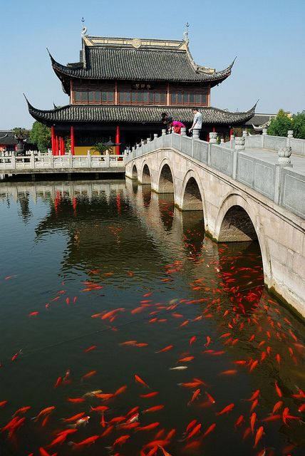 Zhouzhuang, Shanghai, China by Sait Izmit, via Flickr