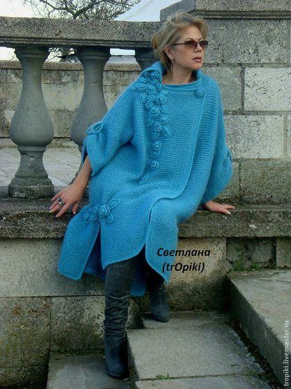 """Верхняя одежда ручной работы. Ярмарка Мастеров - ручная работа. Купить """"Водопад из роз""""авторское вязаное пальто. Handmade. Голубой"""