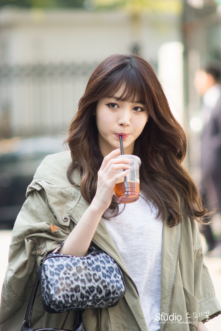 Girls' Day's Yura is anything but a geek on the cover of 'Geek'