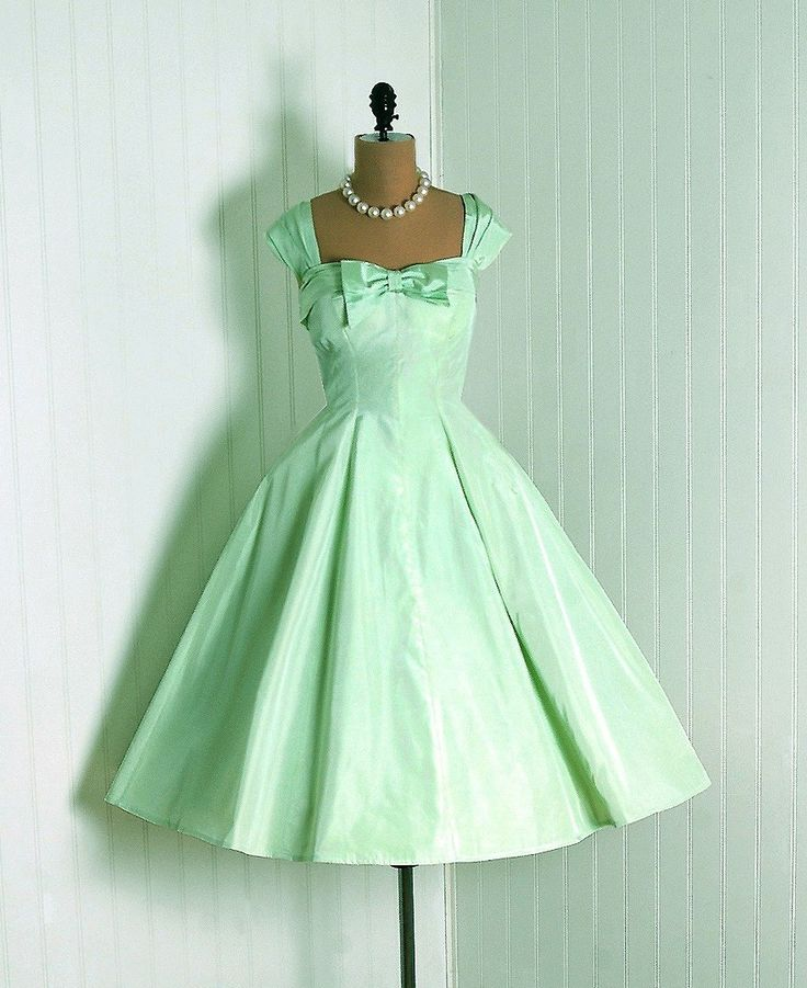 1950's Elegant Mint-Green Taffeta Dress