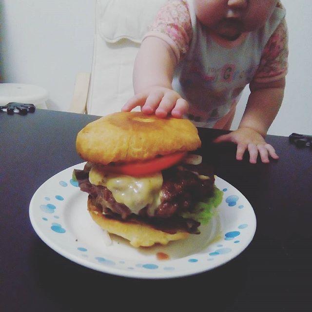 Домашние бургеры - самые вкусные и полезные! 👍😍😄🍔 #бургер #гамбургер #ужин #непп #вкусно #сытно #мирдолжензнатьчтояем #汉堡包 #肉 #牛肉 #好吃 #吃饭 #homemade #hamburger #burger #meet #steak #beefsteak