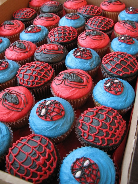 The handpiping on these Spiderman cupcakes is impressive.