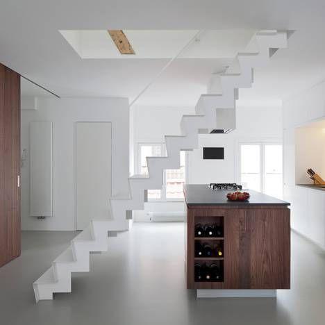 Resultado de imagen para escaleras en lugares pequeños