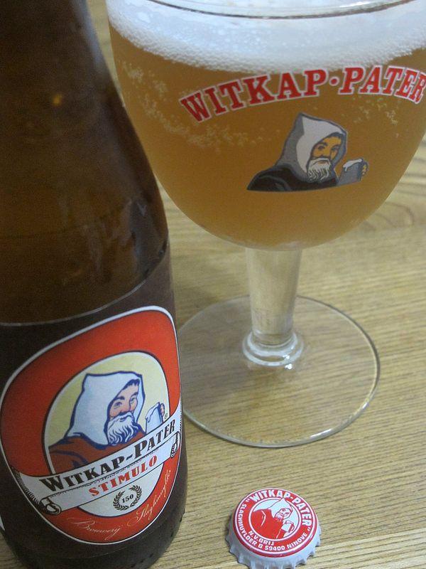 Witkap Pater Stimulo e33cl Alc.6,0%Vol. Brouwerij Slaghmuylder Denderhoutembaan 2, B-9400 Ninove www.witkap.be