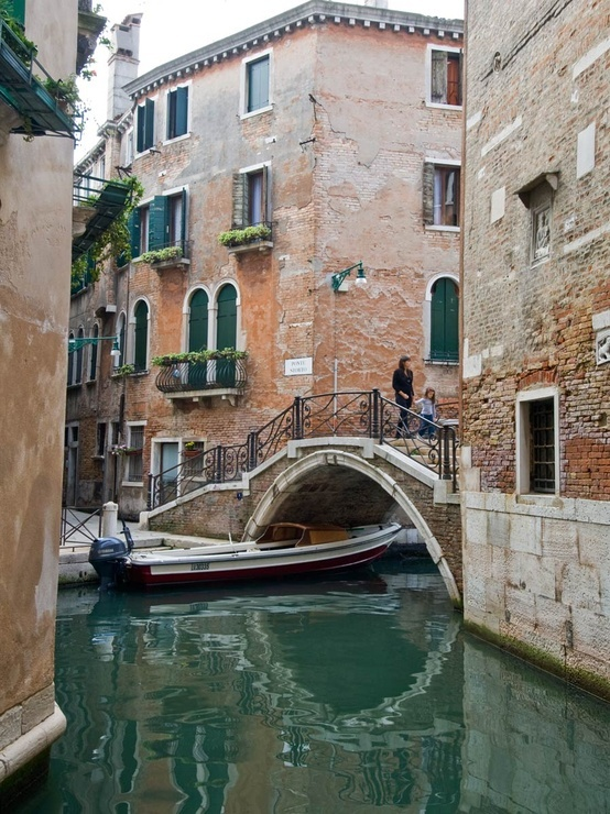 Venezia: Ponte Storto Guarda le Offerte!
