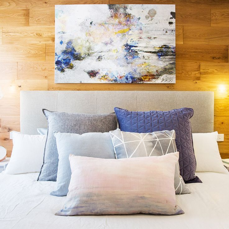 Lisa & John present a stunning master bedroom featuring beautiful artwork in Week 3 of Reno Rumble.