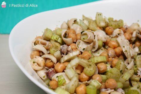 Insalata di Ceci Sedano e Seppioline http://blog.giallozafferano.it/pasticcidialice/insalata-ceci-sedano-seppioline/