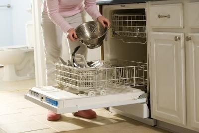 How to Clean Clogged Jets in The Dishwasher Spray Arms to Solve Poor Cleaning of Dishes in The Dishwasher