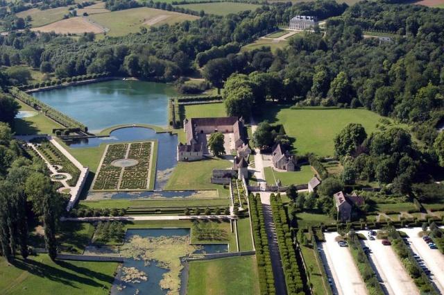 Les 15 et 16 septembre 2012, sur les traces de Ninon de Lenclos au Domaine de Villarceaux (95)  http://www.pariscotejardin.fr/2012/09/les-15-et-16-septembre-2012-sur-les-traces-de-ninon-de-lenclos-au-domaine-de-villarceaux-95/