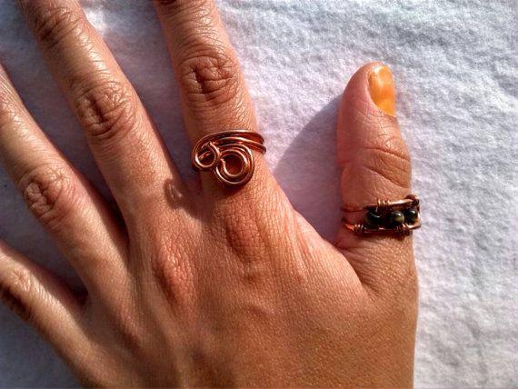 Copper rings, yoga rings, boho jewelry Mira este artículo en mi tienda de Etsy: https://www.etsy.com/es/listing/264556339/anillos-de-cobre-ajustables-boho-yoga