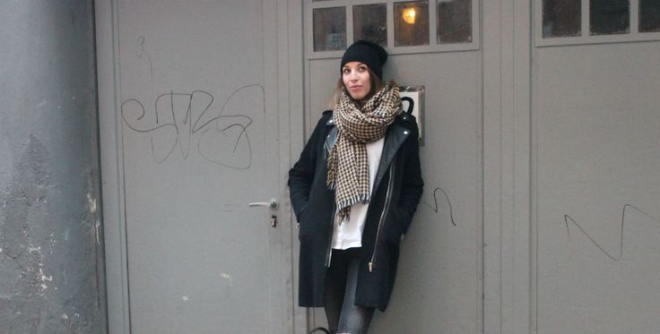 Kitschick Casual Streetstyle    scarf