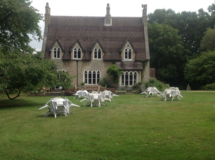 Bradgate Manor is is a 19C former vicarage, situated  in the village of Netley Abbey, near to Southampton.  Set in 4 acres of woodland and informal gardens, Bradgate Manor is a tranquil and attractive venue for events and wedding receptions.