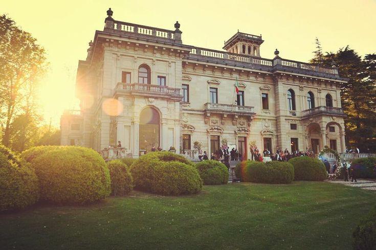 171 вподобань, 2 коментарів – Villa Erba (@villaerbaofficial) в Instagram: «#sunlights ☀️☀️☀️ #lakecomo #villaerba #naturalbeauty  #whatitalyis»