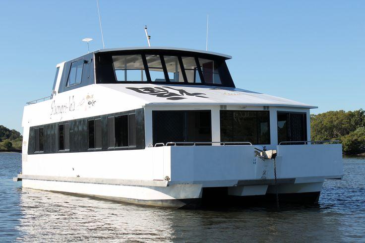 Shangri-Lah Beautiful 12 berth luxury Coomera Houseboat with 4 perm bedrooms.   #coomerahouseboats   #Goldcoast  #houseboat  #holiday  #holidays  #boating  #fishing  #Houseboating  #Queensland  #Australia  #Angler  #Fish