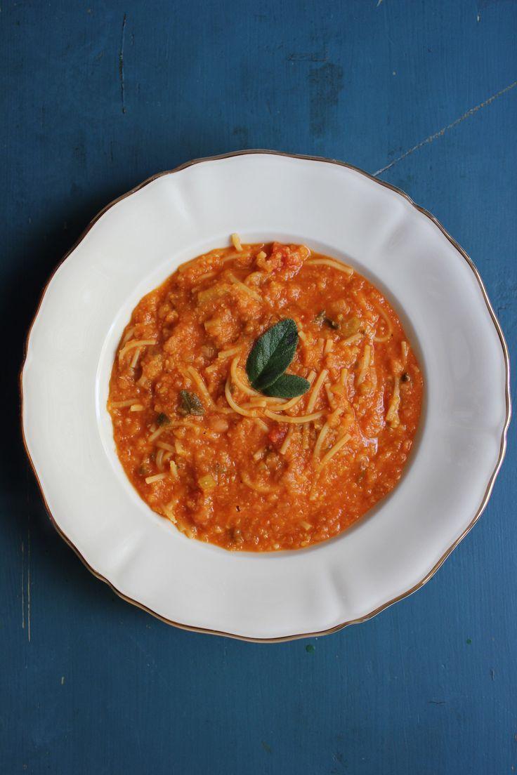 Vegetarische Rezepte: Kichererbsen-Tomatensuppe mit Salbei