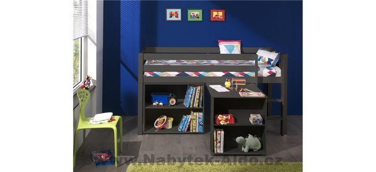 Dětská postel z masivu s úložnými prostory