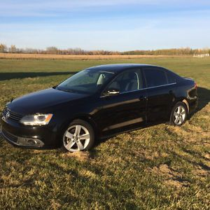 Gorgeous 2011 Volkswagen Jetta TDI Sedan with LOW km Calgary Alberta image 1