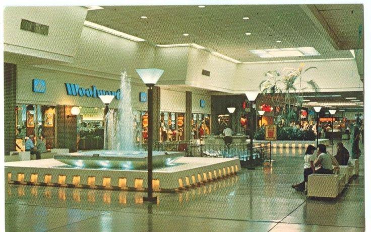 USA, Chautauqua Mall, Lakewood, New York, unused Postcard